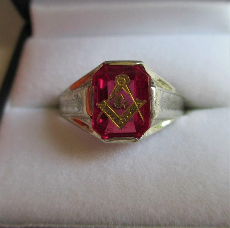 Antique 10K White Gold Masonic Ring Freemasonry Masonic Signet Ring Very  Old Carved Ruby Red Stone 10k SIZE 11 Ruby Masonic Mans Ring