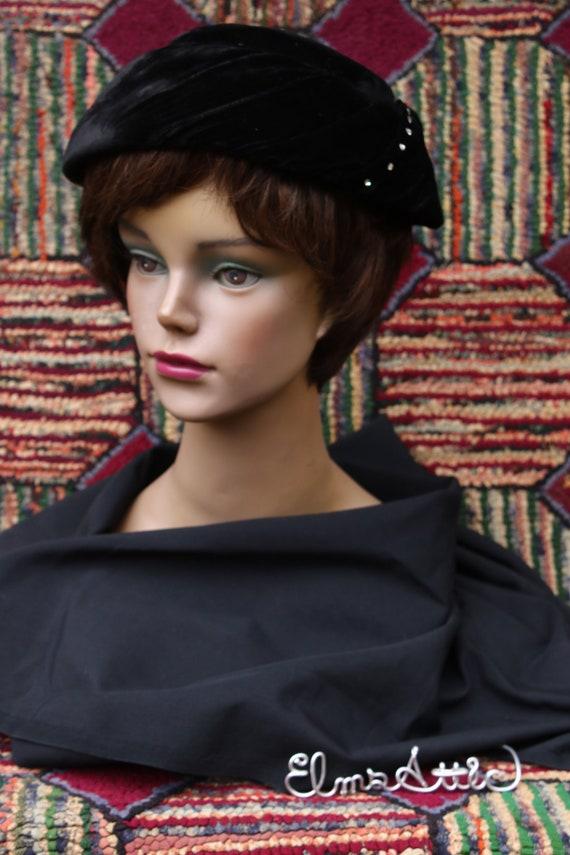 Vintage Velvet Saucer Hat