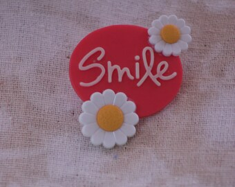 smile daisy pin