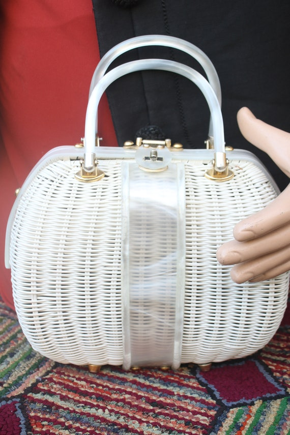 Vintage White Wicker Handbag with Lucite Handle