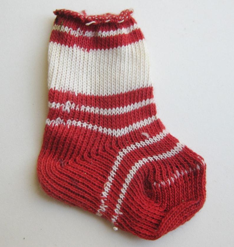 Vintage 50s Red /& White Knit Sock Miniature Merry Christmas Stocking Novelty Gift Holder