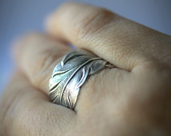 UNI-SEX feather RING Size from 4 to 14. Men silver ring Couples matching ring Best friends ring Womens. Thumb ring silver ring feather ring.