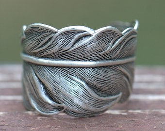 Silver Feather Ring UNISEX. Size 4 to 14. Feather jewelry, mens ring matching couples spiritual faith angelic, Silver feather ring Christian