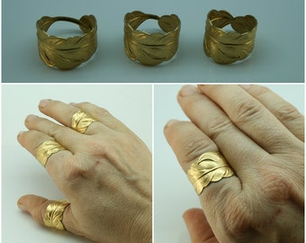 GOLD Feather RING mens and womens Size 4 to 14. In Silver too. Casual or weddings promise ring Matching couples ring. Thumb ring Adjustable