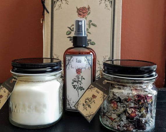 Hand Made Spring Flowers Gift Box ~ Hand Poured Soy wax candle~ Room Spray ~ Jar Potpourri~Roses