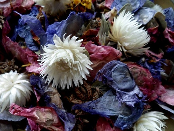 Lilac & Lavender Handcrafted Potpourri with refresher oil