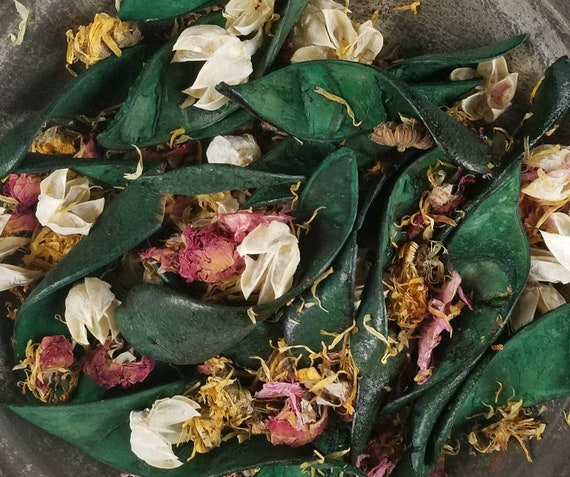Gardenia Handcrafted Potpourri with refresher oil