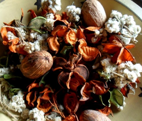 Peach Tree Handcrafted Potpourri with refresher oil