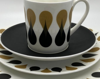 Wedgwood - Susie Cooper - Diablo - Teacups and Saucers - Side Plates - Breakfast Plate - 1960s