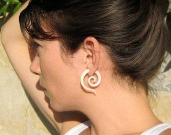 Fake Gauge Earrings White Bone Tribal Spiral Earrings - Gauges Plugs Bone Horn - FG014 B
