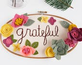 Inspirational Wall Art. GRATEFUL Sign. Nursery Wall Decor. 3D Art. Embroidery Hoop Art. Felt Floral Wall Hanging. Gift for Her