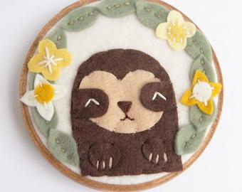 Sloth Embroidery Hoop Art. Sloth Wall Art. Kids Room Decor. Baby Sloth and Felt Flowers. Sloth Fiber Art. Felt Applique. Baby Shower Gift