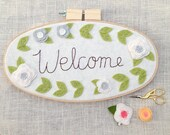 Welcome Hoop Art - Embroidery Hoop Art - White and Grey Felt Flowers - Floral Wreath - 3D Wall Art - Cursive Name Sign - Housewarming Gift