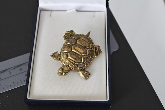 1930s 1940s  Joseff of Hollywood   Figural Turtle
