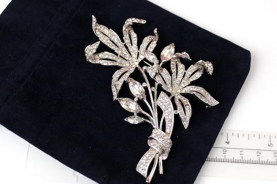 HUGE Trifari Flower Brooch Pastel Rhinestones Faux Pearl 50/'s