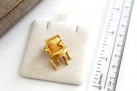 KARL LAGERFELD  high  Couture Gold Chair    Brooch