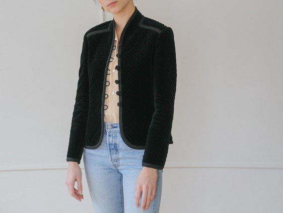 1980s / Albert Nipon black quilted jacket blazer /