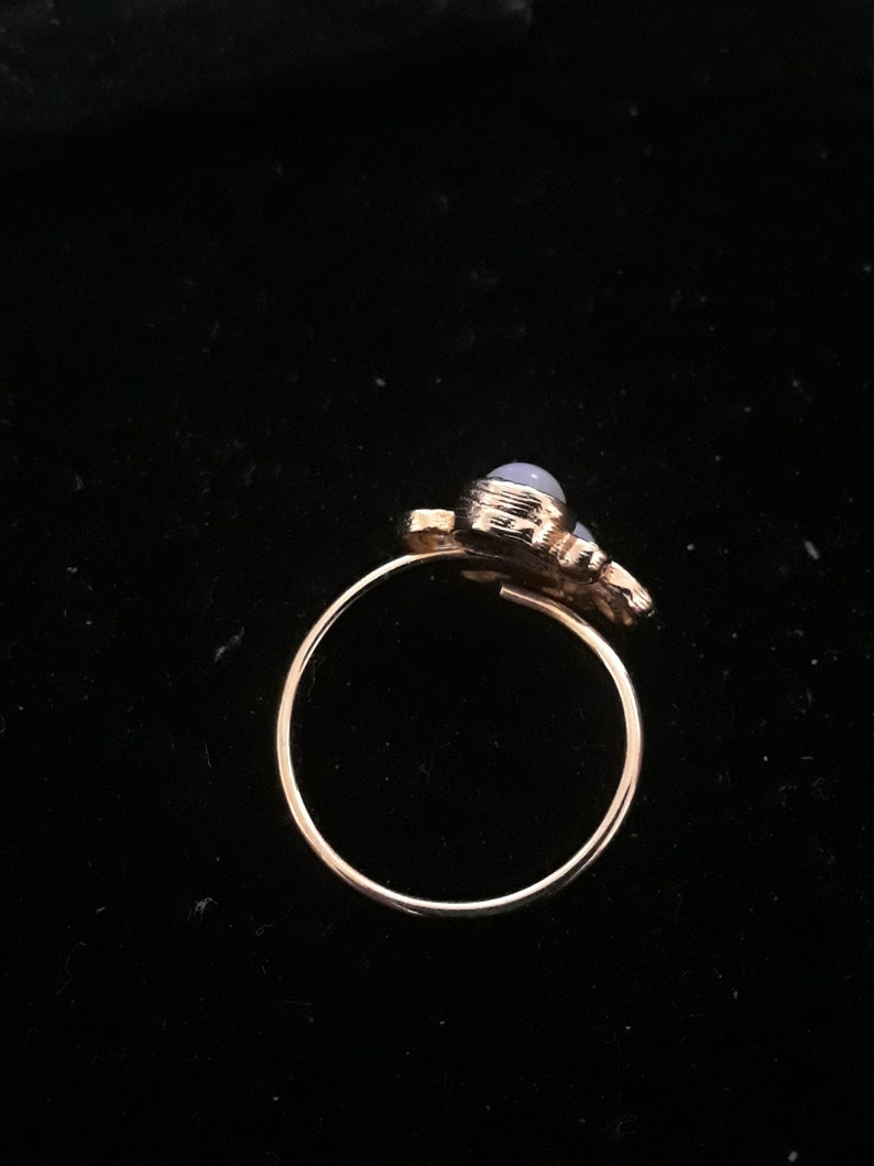 Sarah Coventry gold tone green opal adjustable womans ring