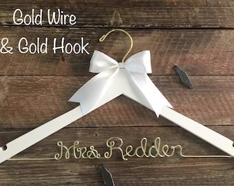 Wedding Hanger, Bridal Hanger, Personalized Bride Hanger, Brides Hanger, Gold Wire Name Hanger, Personalized Bridal Gift