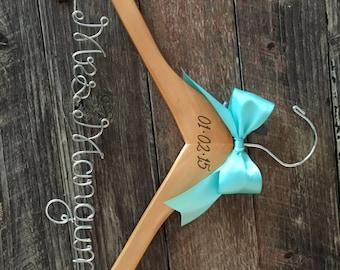 Rustic Brides Hanger / Bridal Hanger / Wedding Hanger / Vintage Wedding / Rustic Wedding / Personalized Wedding Hanger / Bridal Shower Gift