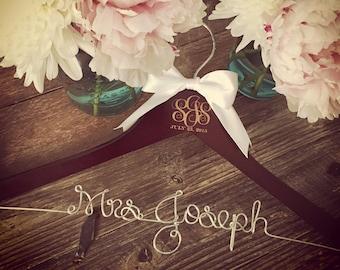 Wedding Monogram Hanger, Bride Hanger, Bridal Hanger, Monogram Wedding Hanger, Vintage Wedding, Rustic Wedding, Personalized Hanger