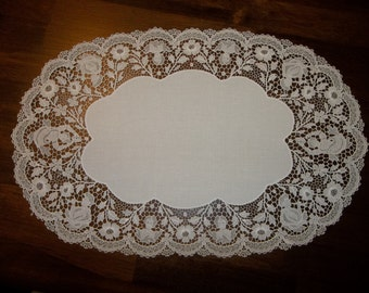 EXTRAORDINARY Antique French Lace DOILIE Handmade...FIGURAL  Needle Lace...Lace Collector