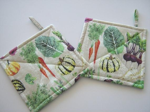 Set of 2 Handmade double insulated hotpads// green