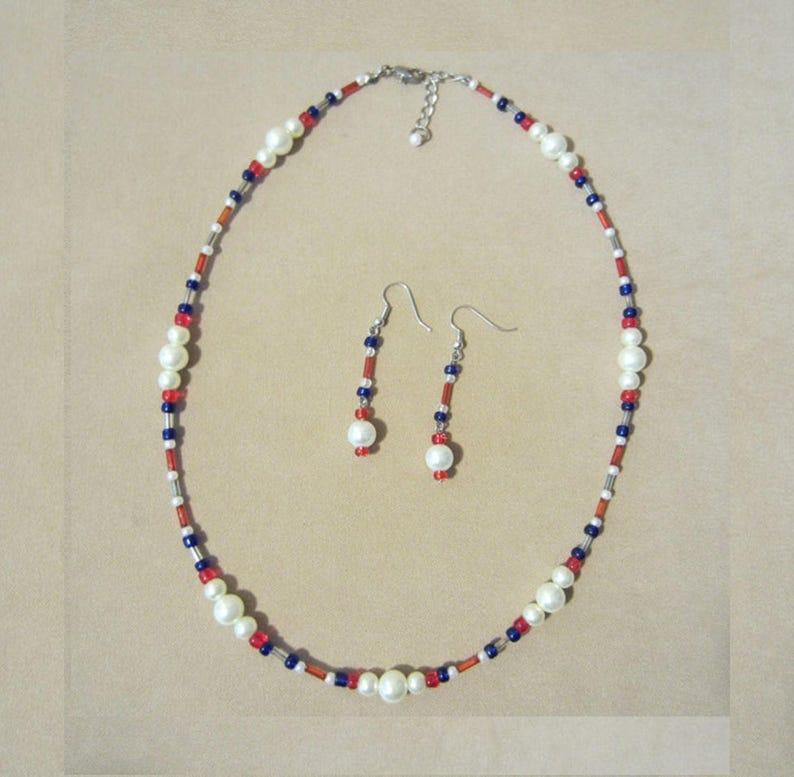 Seed Bead Necklace Set Retro Jewelry Set Handmade Beaded Jewelry Patriotic Pearl /& Glass Bead Jewelry Set USA Red White Blue Pendant Set