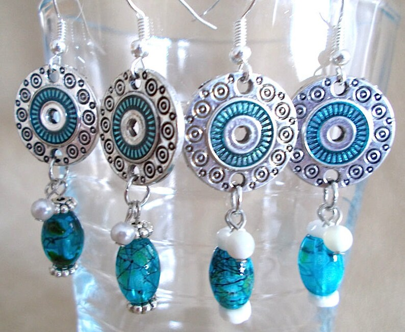 Summer Disc Dangle Earrings Silver /& Turquoise Enameled Disc Earrings Hawaiian Shell Jewelry Glass Splatter Bead Handmade Beaded Jewelry