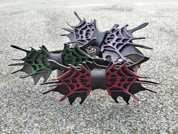 Echtlederfliege Lasercut 'Spider' Handbemalt verschiedene Farben erhältlich