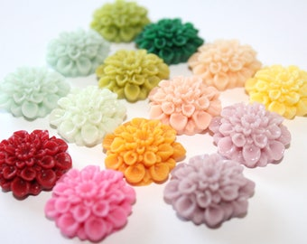 Resin Flower Cabochons - Chrysanthemum Mum - 22mm Cameo Flat Back