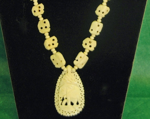 Vintage Tribal Hand CARVED NECKLACE BONE W/ Elephants and Large Elephant Pendant, Art Deco Ca 1950s, Exc. Condition !