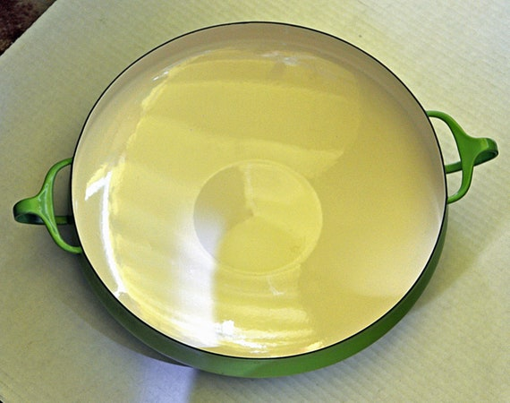 Reduced: Vintage Rare 1955 DANSK I H Q KOBENSTYLE LIME Green Enamel Paella Pan Jens Quistgaard Danish Modern, Denmark, Excellent Condition