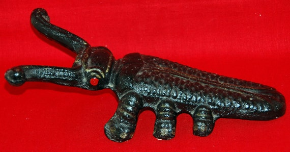 Vintage Cast Iron CRICKET BOOT JAC/Door Stop Ca 1900 r Earlier W/ Red Painted Eyes, Excellent Condition - A Real Collectors Item -