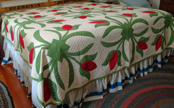 Antique Pa APPLIQUED TULIP QUILT, Rare Size 8' x 8', Hand Stitched, Beautiful Estate Vintage Condition, Ca 1890s Ship Priority Mail Insured