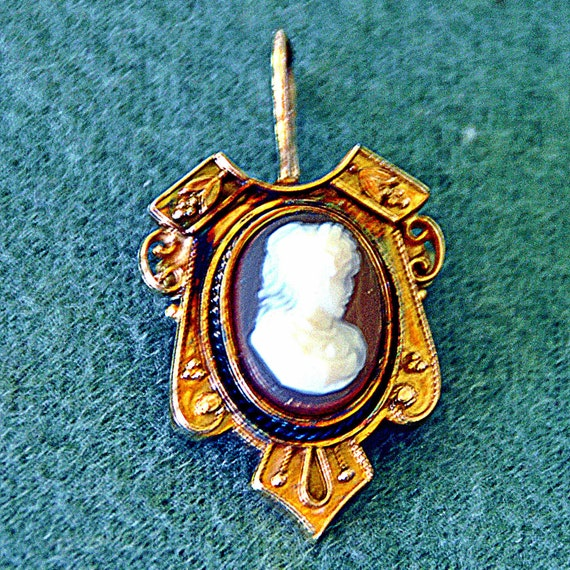 """Antique CAMEO – LAVALIER PENDANT Pin 14K Rose Gold Ca 1870s Approx 1&3/i8"""" L x 6/8"""" W Weighs 4.2 G Exc Condition"""