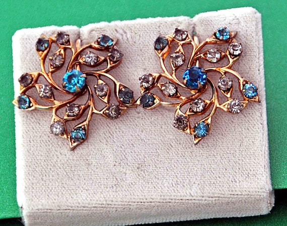 "Vintage 1940s Elegant Prong Set Earrings Sapphire Blue and Clear Cut Rhinestones Set in Gold Tone Metal 1 +"" Di Excellent Vintage Condition"