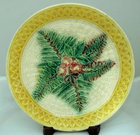 "Antique (pre 1900) MAJOLICA ""FERN n BASKETWEAVE"" n Excellent Vintage Condition, Very Brightly Colored Collectible Plate, 9 1/8"" Di"