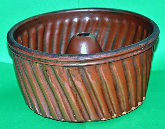 "Rare Antique Pottery  DANISH BUNDT CAKE Fantastic Pan Ca 1920 Dark Brown, Very Scarce, Classic Deep Shape 9 3/4"" di x 5"" high, Exc Condition"