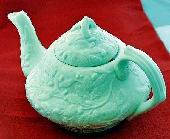 Vintage TEA POT Off-White Color, Unique Embossed Design, No Markings, Excellent Condition