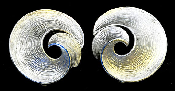 """Vintage 60s CROWN TRIFARI Brushed SILVER Tone Earrings, Clip-On, Loops, Polished Silver Tone Edge, Measure 1 1/8"""" Diameter, Exc. Condition."""