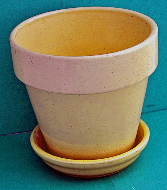 """Vintage YELLOW WARE POT Planter W/ Drain Hole Separate Saucer 6 1/4"""" T x 6 5/8"""" Di @ Top x 4""""di @ base Saucer is 5 6/8""""di Great Vintage"""