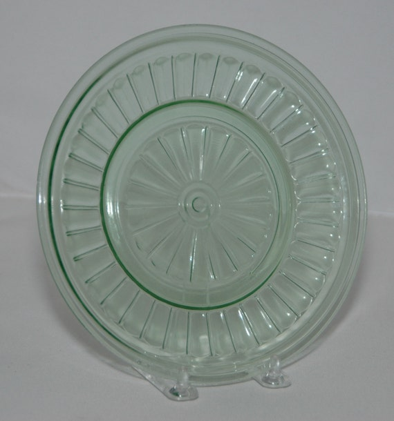 "Vintage Ca1930s Hazel Atlas  NEW CENTURY Uranium GREEN Depression Glass 7 1/8"" Plate, Excellent Condition"
