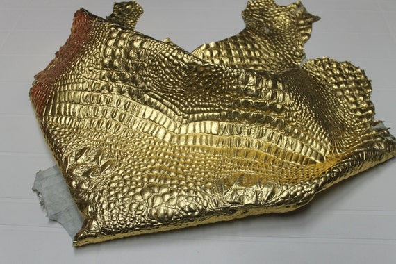 Italian Goatskin leather 12 skins hides METALLIC GOLD CROCODILE Alligator Alligator Alligator embossed 75-80sqf | Attrayant Et Durable  16fcd6
