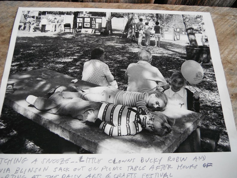 St Identified - Vintage Press Photo Cute and Creepy Little Clowns Catching A Snooze in the Park Petersburg FL Times