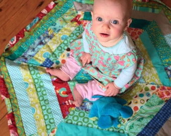 Drawstring Quilt PDF Pattern by Tickle and Hide. Play Mat and Carry Bag in One. Easy to Follow Instructions.