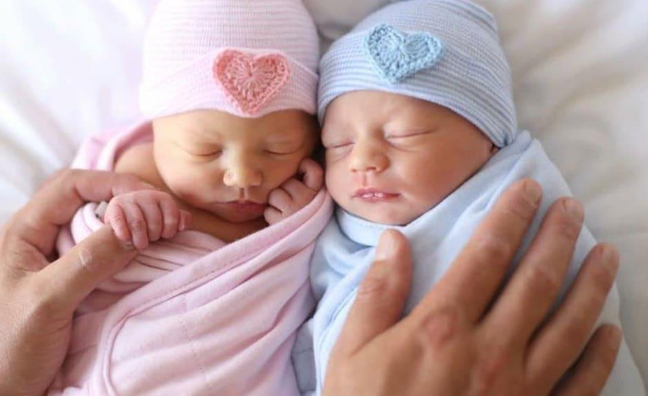 8f54b06733155 TWIN NEWBORN HOSPITAL hat newborn hospital hat twin baby