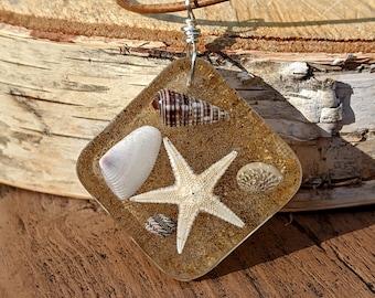Real Starfish, Tiny Seashell and Sand Embedded Resin Pendant, Beach Jewelry, Seashell Jewelry, Resin Pendant, Beach Boho, Beach Lover Gift