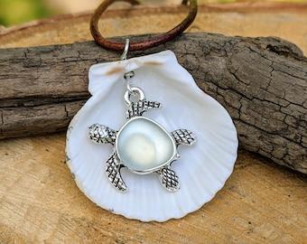 Real Florida Seashell Turtle Charm Pendant, Seashell Jewelry, Ocean Necklace, Beach Boho, Shell Pendant, Beach Jewelry, Sea Turtle Jewelry