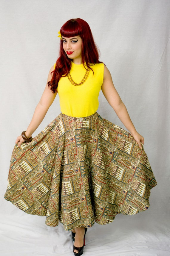 Vintage 1950s Quilted Circle Skirt / Vintage 50s C